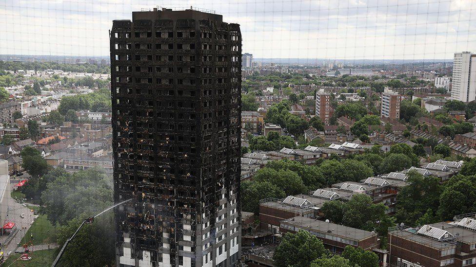 Londoni tűzvész - Tűzoltóparancsnok: nem lehet tudni, hányan lehettek az épületben