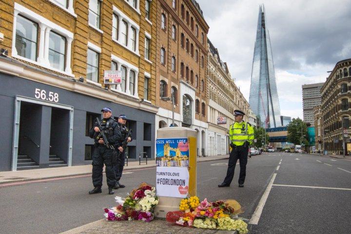 Londoni merénylet - May: nem emelkedik a terrorfenyegetettség szintje, Corbyn lemondásra szólította fel a kormányfőt
