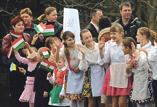 A kárpát-medencei magyar oktatás és politika