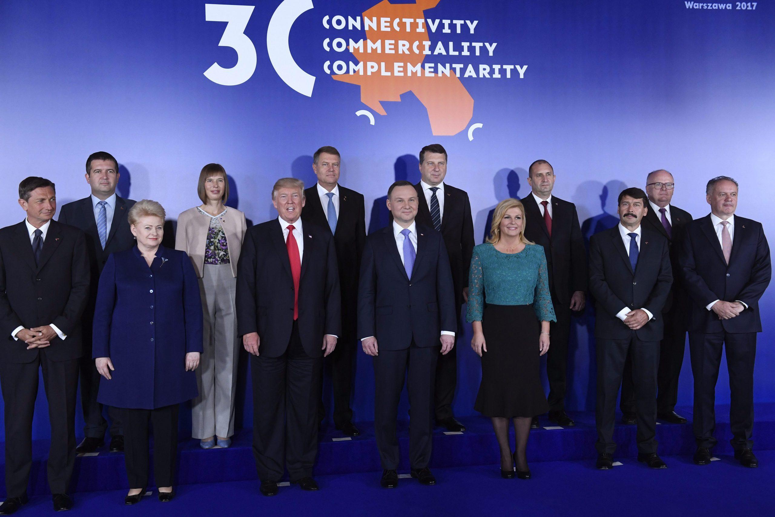 Áder: a biztonság kérdését vitatták meg közép-európai országok vezetői