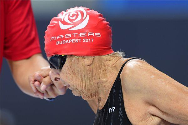 96 éves világrekorder Budapesten