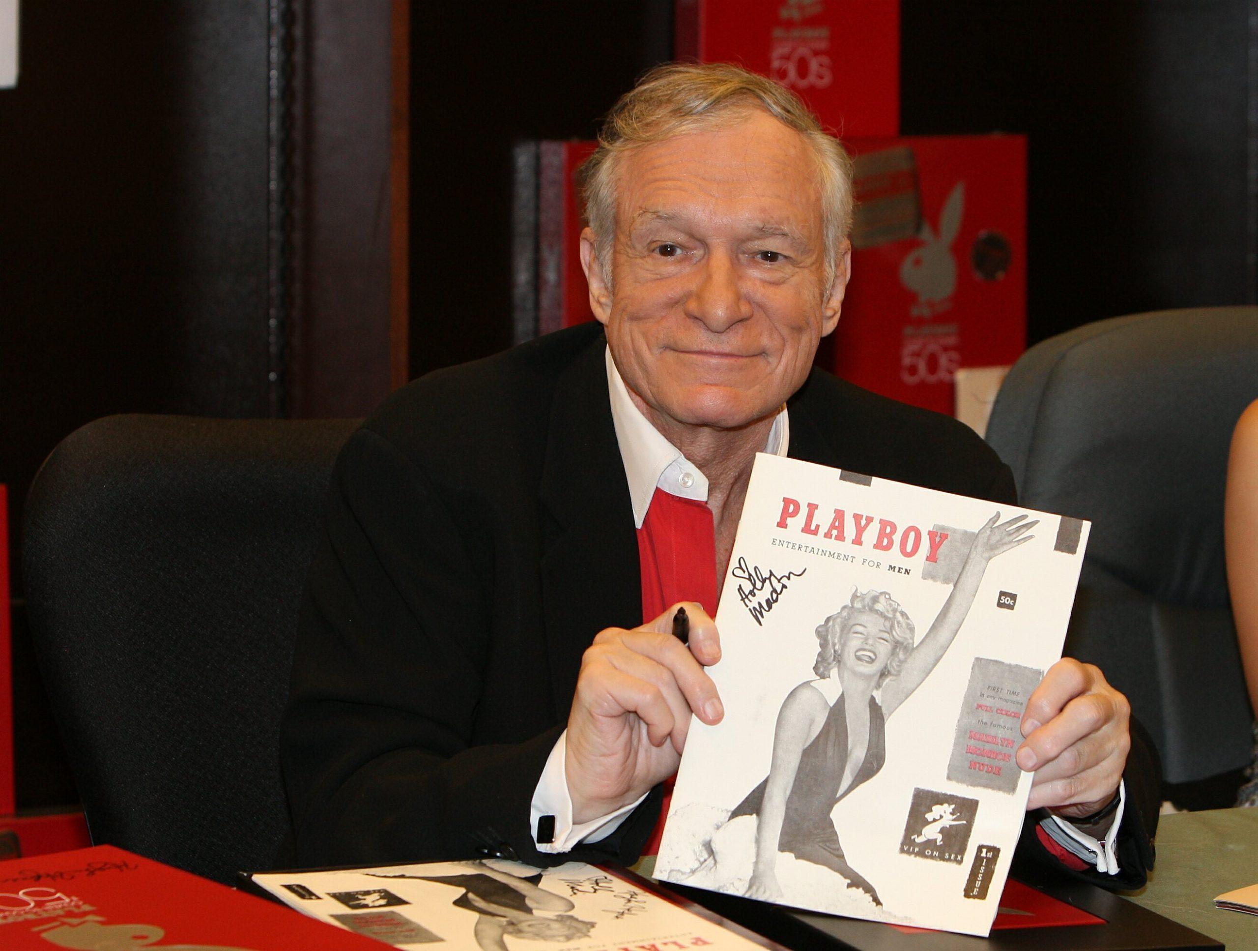 Elhunyt Hugh Hefner, a Playboy magazin alapítója