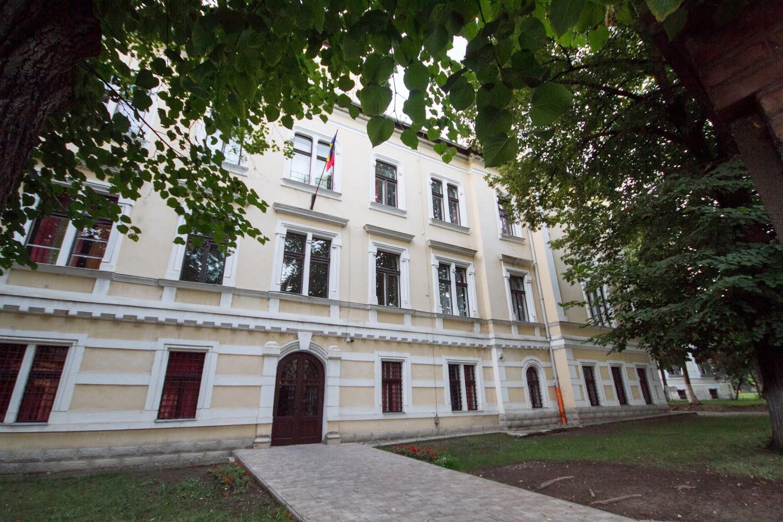 A román oktatási miniszter szerint egy másik iskola ernyője alá kerülnek a marosvásárhelyi katolikus gimnázium diákjai
