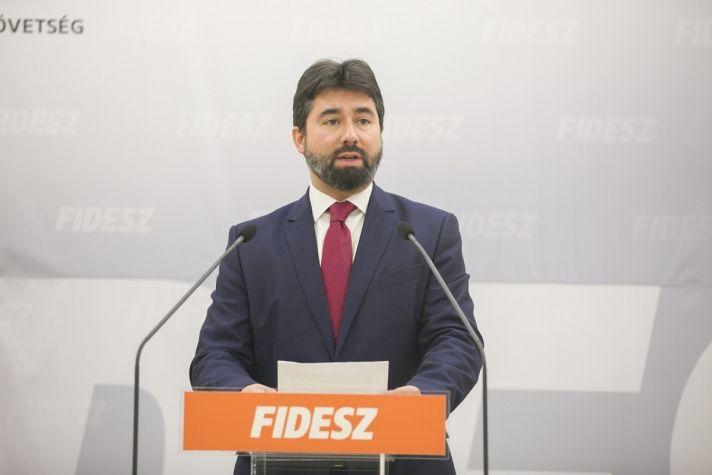 """Politikai határozatban utasítja el a """"Soros-tervet"""" a Fidesz-választmány"""