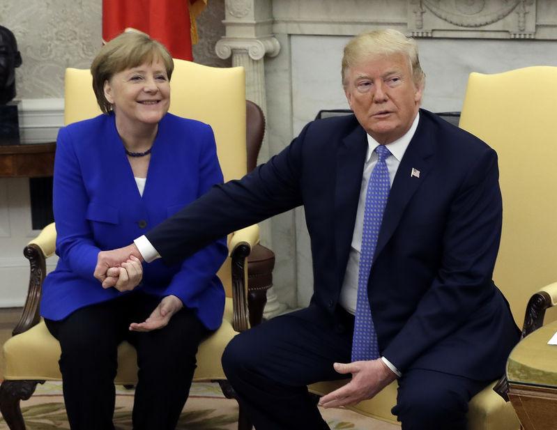 Trump és Merkel bátorítónak nevezte a két koreai vezető találkozását