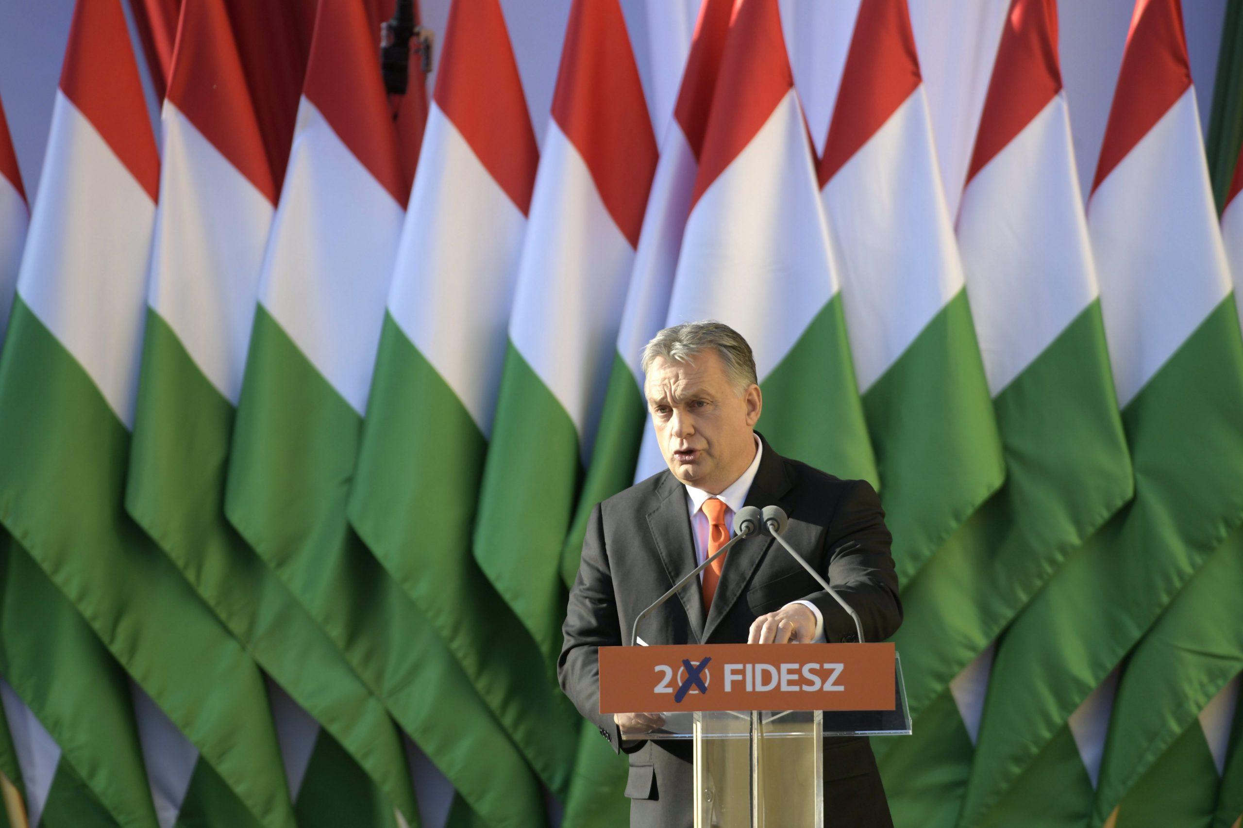 Orbán: az a kérdés, hogy amit megkerestünk, azt a gyermekeinkre, az idősekre vagy a bevándorlókra kell majd költenünk