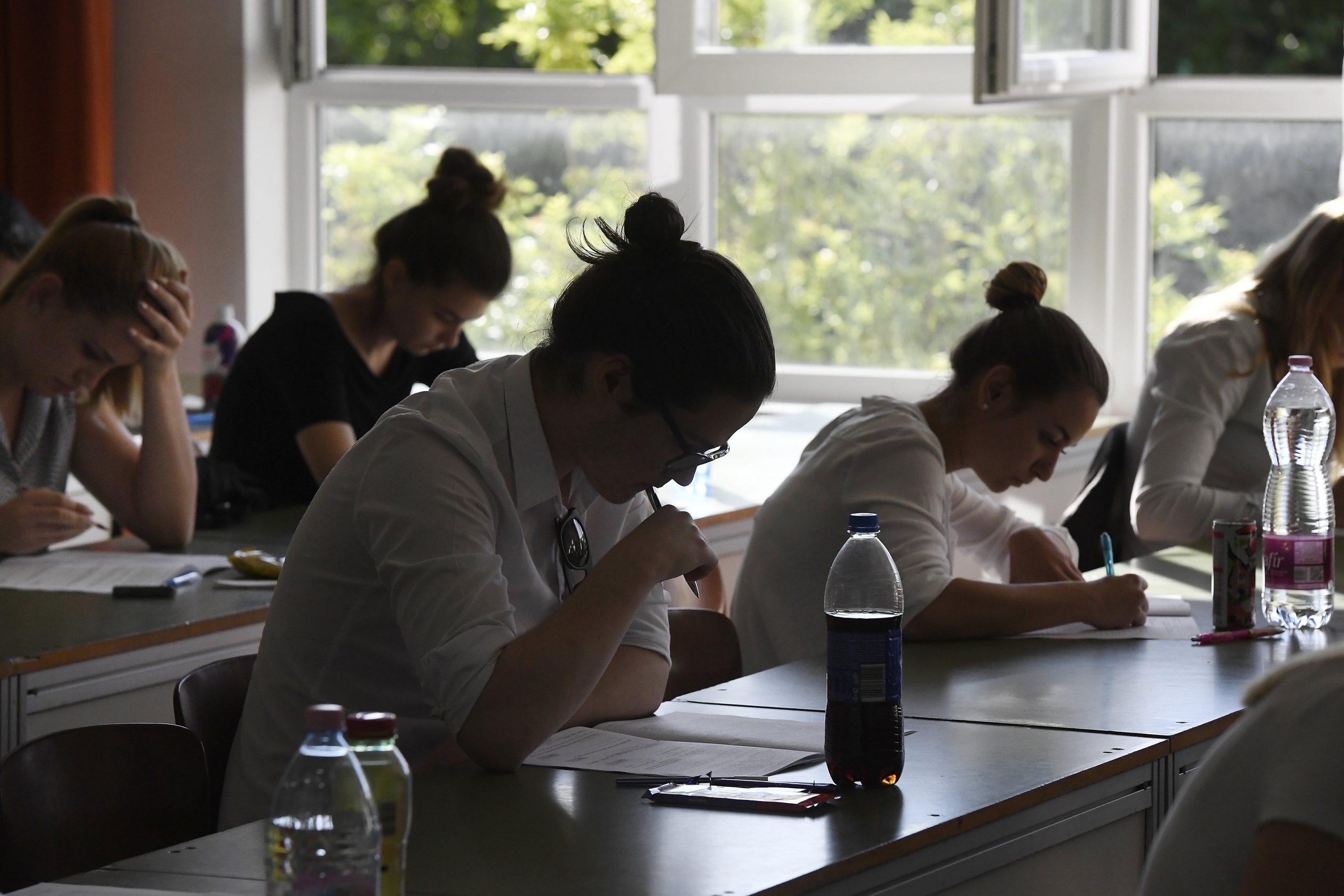 A diákok többsége nem találta nehéznek az idei magyar írásbeli feladatokat