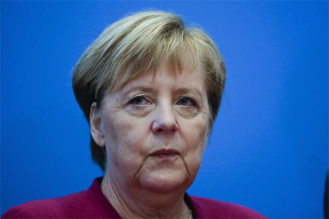 A német sajtó vegyesen értékeli Angela Merkel döntését