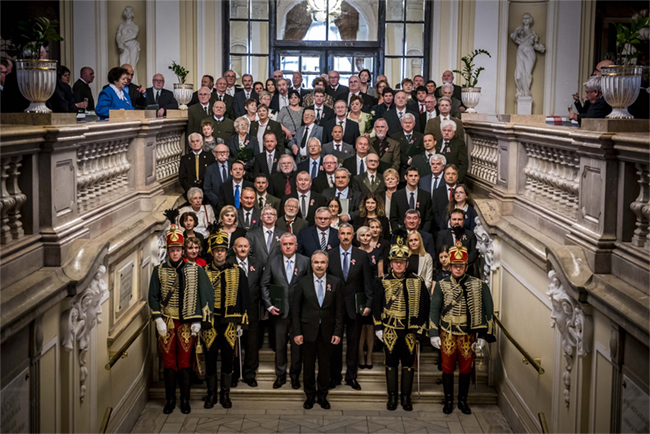 A magyar nemzetet a múltja kötelezi