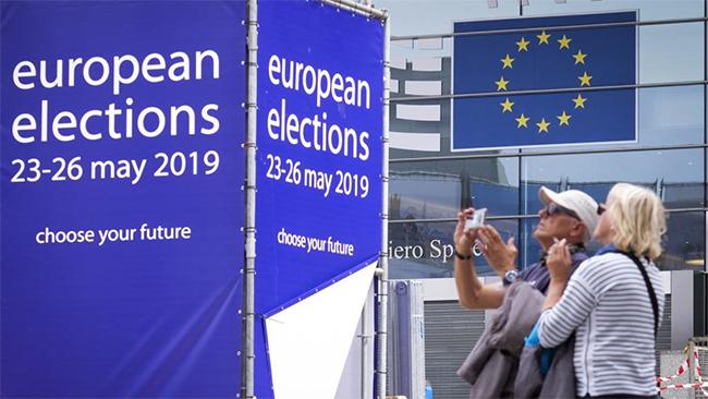 EP-választás - A frissített adatok szerint is az Európai Néppárt áll az élen