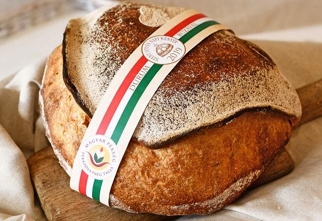 Szerencse Tarsoly lett az év kenyere